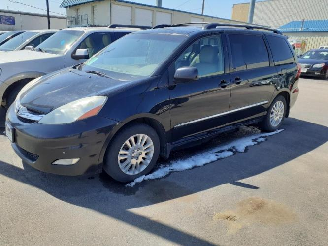 2008 Toyota Sienna (5TDZK22C38S) with an 3.5L V6 EFI DOHC 24V engine, 5-Speed Automatic Overdrive transmission, located at 2015 Cambell Street, Rapid City, SD, 57701, (605) 342-8326, 44.066433, -103.191772 - Photo #1