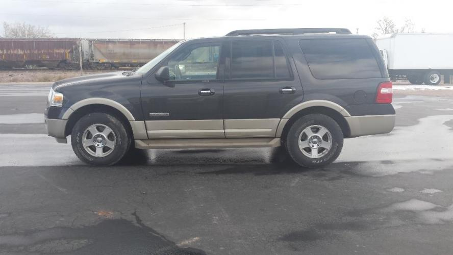 2007 Ford Expedition Eddie Bauer 4WD (1FMFU18597L) with an 5.4L V8 SOHC 16V engine, 6-Speed Automatic Overdrive transmission, located at 2015 Cambell Street, Rapid City, SD, 57701, (605) 342-8326, 44.066433, -103.191772 - Photo #0
