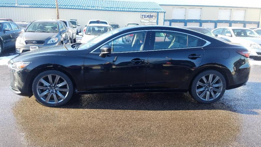 2018 Mazda MAZDA6 Touring 6A (JM1GL1VM4J1) with an 2.5L L4 DOHC 16V engine, 6A transmission, located at 2015 Cambell Street, Rapid City, SD, 57701, (605) 342-8326, 44.066433, -103.191772 - Photo #0
