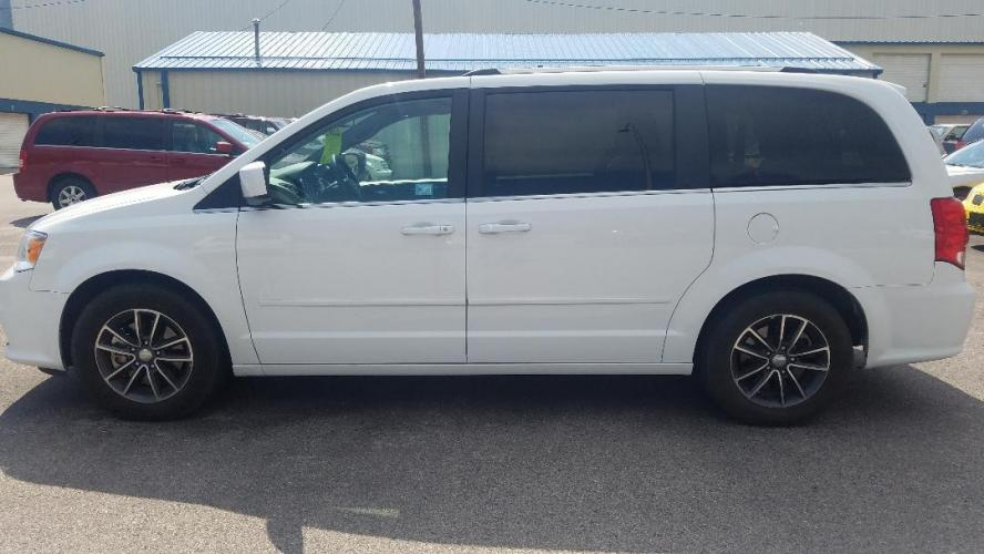 2017 Dodge Grand Caravan SXT (2C4RDGCG3HR) with an 3.6L V6 DOHC 24V engine, 6A transmission, located at 2015 Cambell Street, Rapid City, SD, 57701, (605) 342-8326, 44.066433, -103.191772 - Photo #0