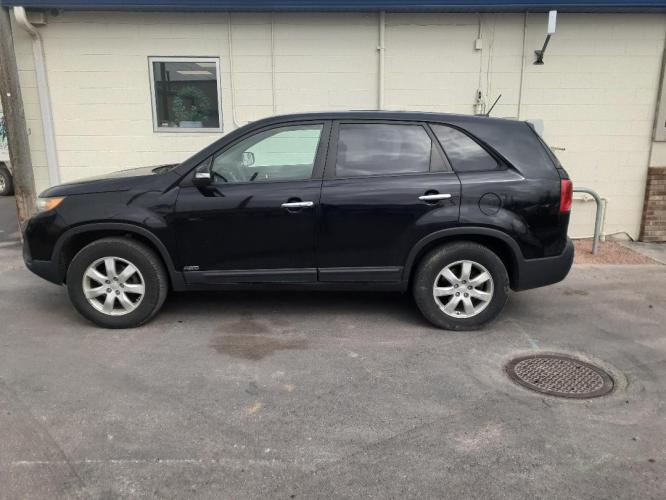2011 Kia Sorento LX 4WD (5XYKTCA17BG) with an 2.4L L4 DOHC 16V engine, 6-Speed Automatic transmission, located at 2015 Cambell Street, Rapid City, SD, 57701, (605) 342-8326, 44.066433, -103.191772 - Photo #0